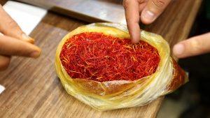 Fraud in saffron / how to detect counterfeit saffron